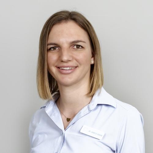 Dr. Isabelle Greune